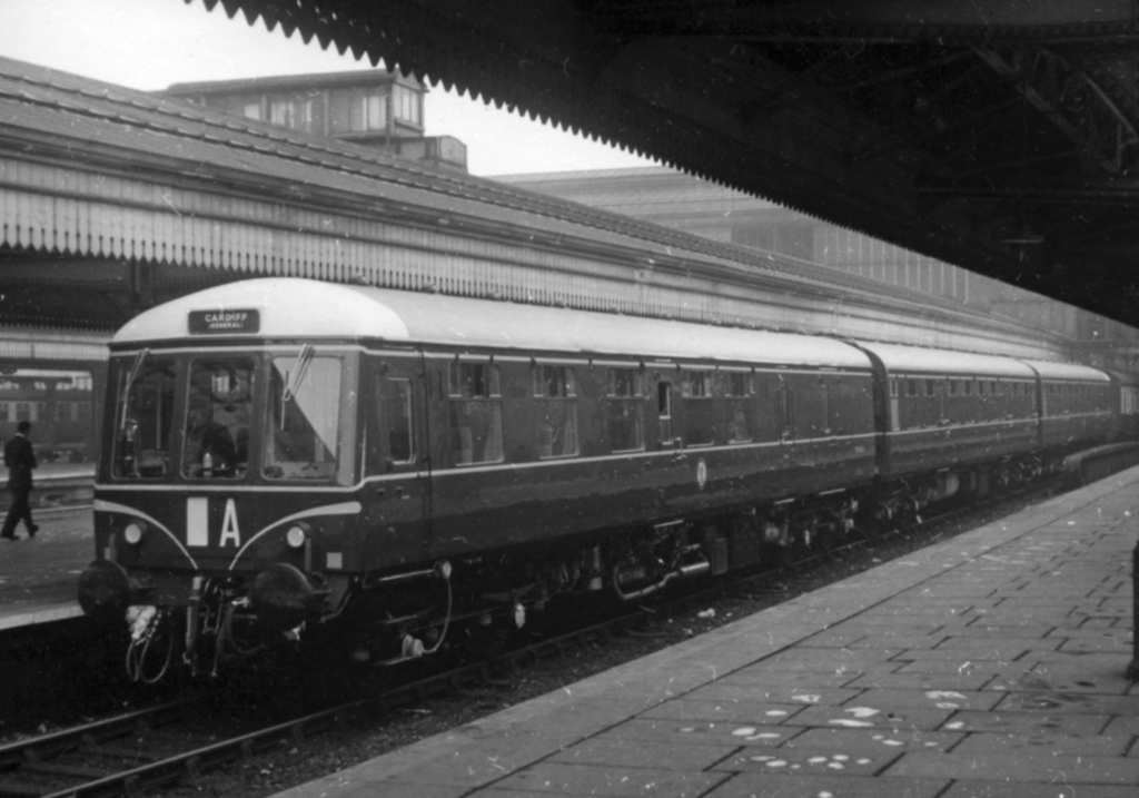 Class 119 dmu at Birmingham Snow Hill