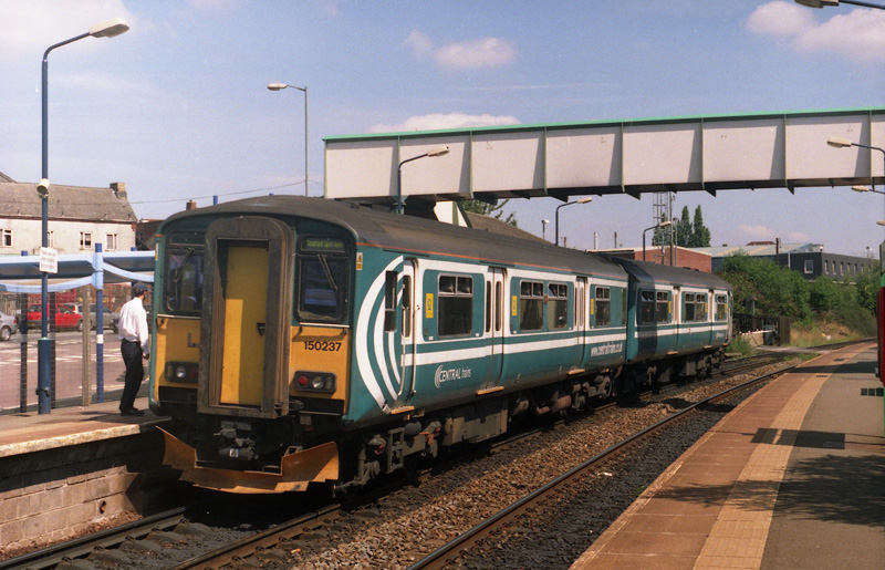 No.150237 at Cradley Heath on 8th August 2005
